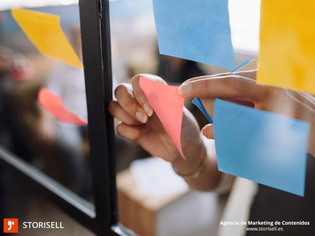 Agencia de Marketing de Contenidos Storisell Empresa. A través de un framework, o gestor de contenidos, nuestros clientes pueden encargar continuamente contenido único que satisfaga las necesidades de marketing y ventas de su empresa. Nuestro equipo en Storisell mapea, selecciona y personaliza las soluciones más adecuadas para tu framework. Abarcamos desde producción audiovisual, hasta SEO, pasando por desarrollo web, fotografía e inbound marketing. Trabajaremos en conjunto para conseguir el el contenido que potenciará la imagen de tu empresa. https://storisell.es/